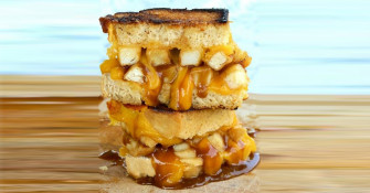 Would You Eat This Poutine Grilled Cheese Sandwich If A Montreal Resto Made It?