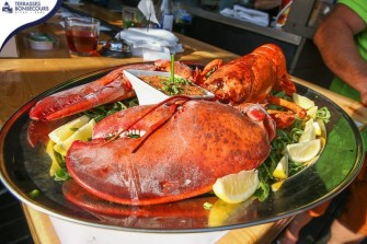 "Today's ""Boozy Brunch"" Does Massive 4 Pound Lobsters"