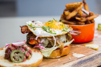 Le Burger Week 2014 Kicks Things Off Next Week With 180 Featured Burgers
