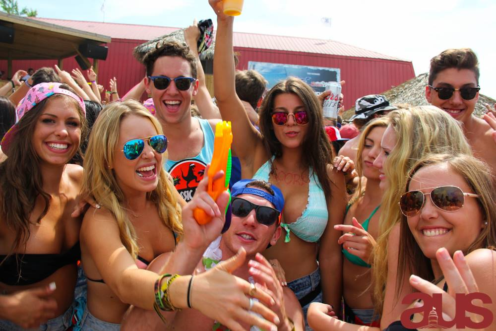 Relive Those Amazing Moments From McGill's Arts Frosh 2014 (Official Aftermovie)